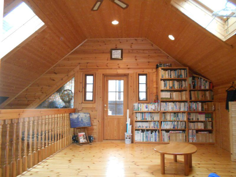 【北軽井沢中古戸建】築12年の北欧輸入ログハウス、木目の美しさにうっとり