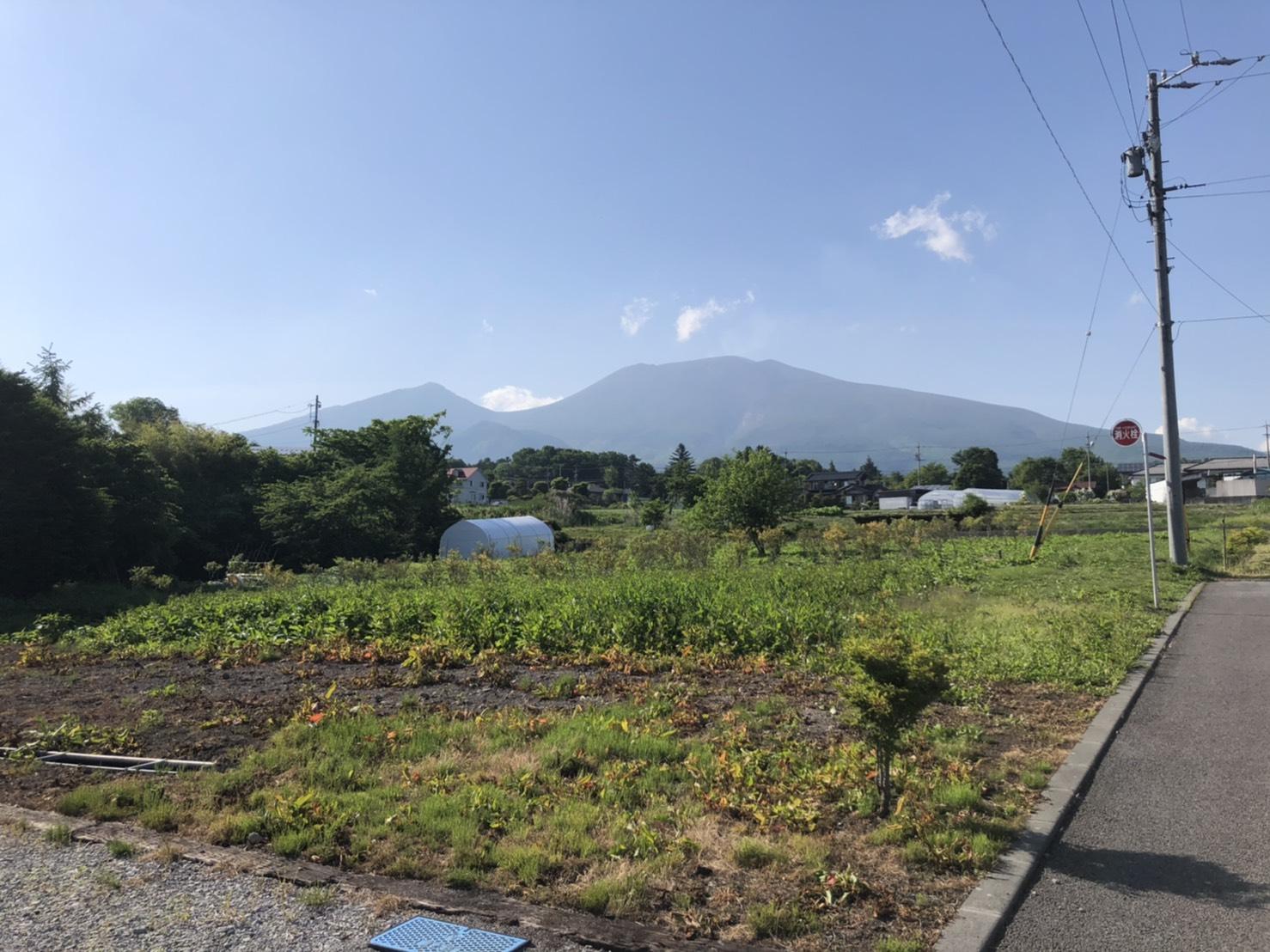 【追分土地】広大な浅間山に四季を感じる約450坪の土地