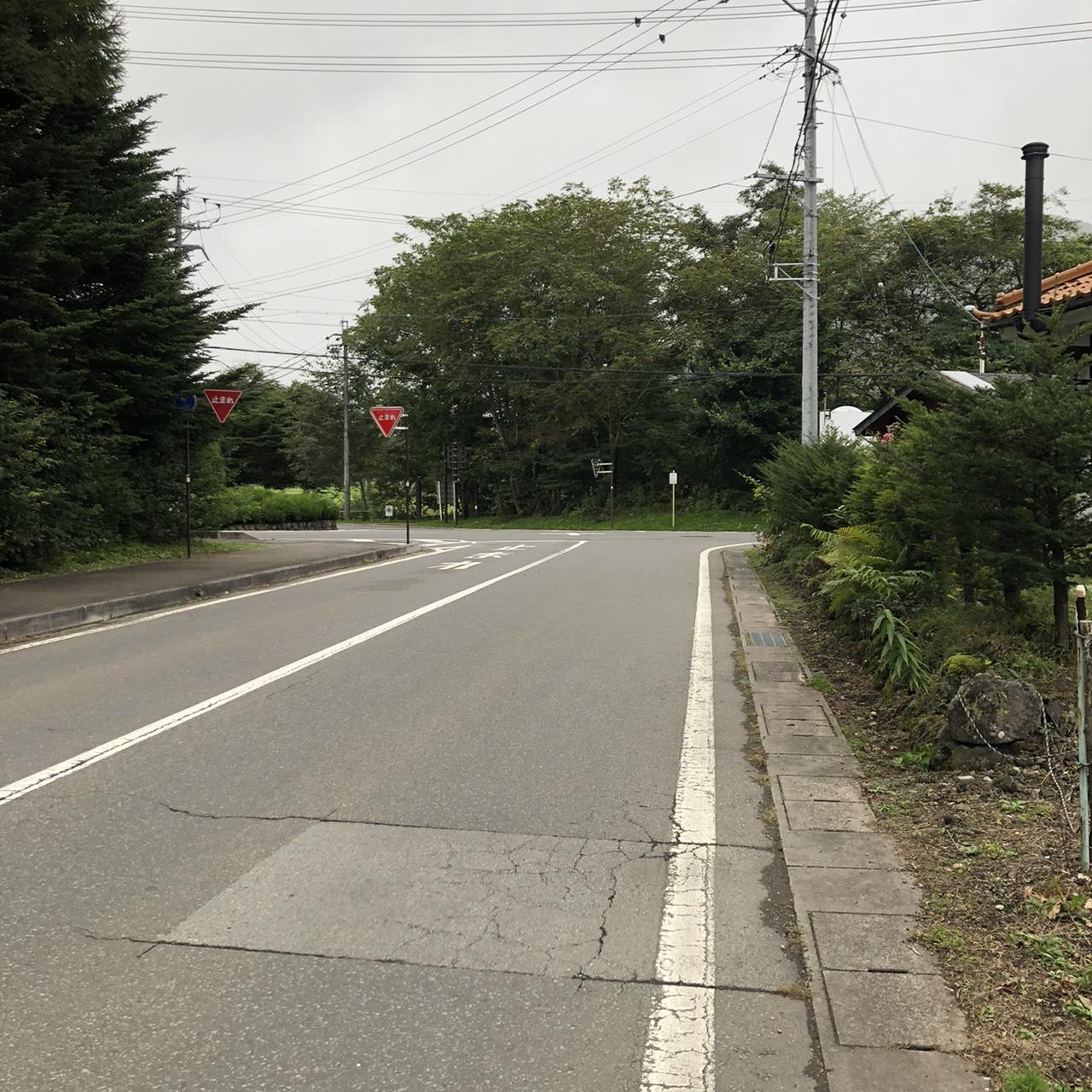 [売土地]発地女街道に面した緑豊かな平坦地